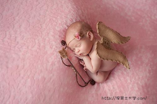 天使・エンジェルのような生後間もない赤ちゃん